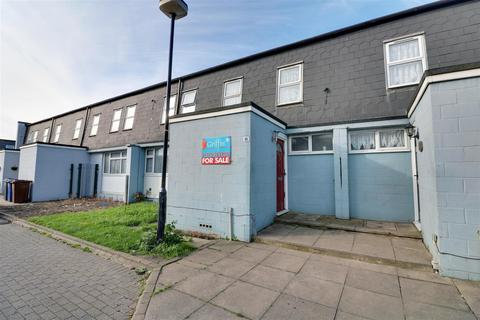 3 bedroom terraced house for sale - Adelaide Road, Tilbury