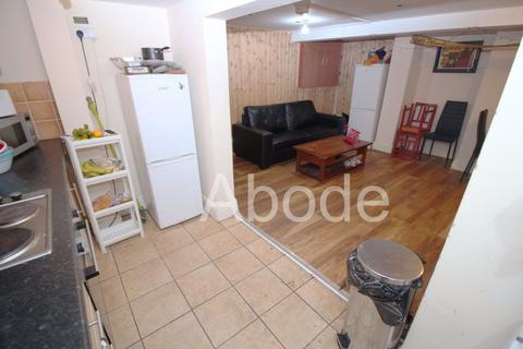 4 bedroom house to rent - Royal Park Avenue, Leeds, West Yorkshire