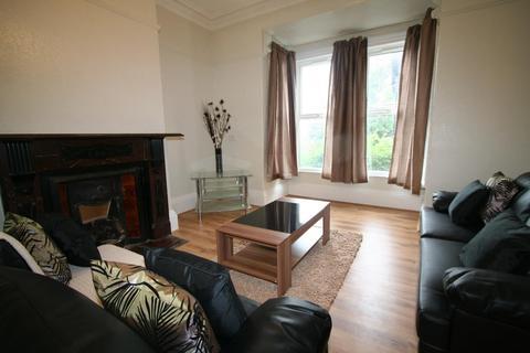 6 bedroom flat to rent - Flat 2, 5 Winstanley Terrace, HydePark