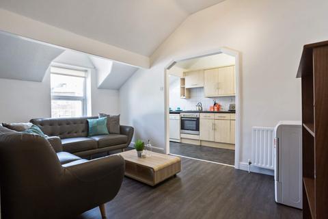 5 bedroom flat to rent - Flat 2, 1 Victoria Road, HydePark