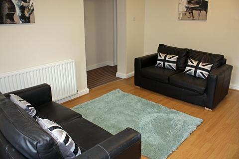 5 bedroom flat to rent - Garden Flat, 3 Moor View, HydePark