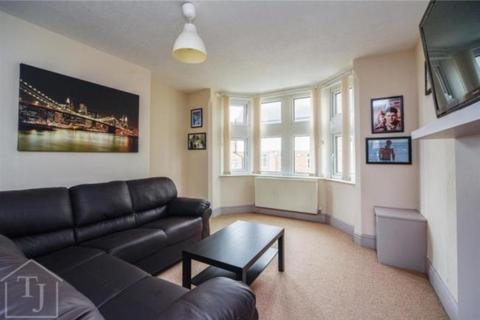 4 bedroom apartment to rent - Balfour Road, Lenton