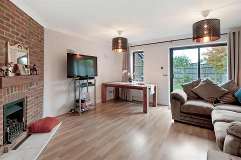 3 bedroom terraced house for sale - The Manwarings, Horsmonden, Tonbridge