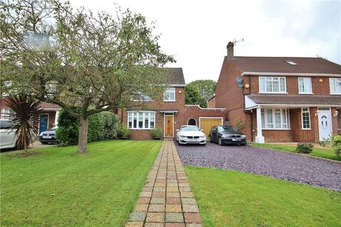 3 bedroom detached house for sale - Seymour Gardens, Hanworth Park, Surrey, TW13