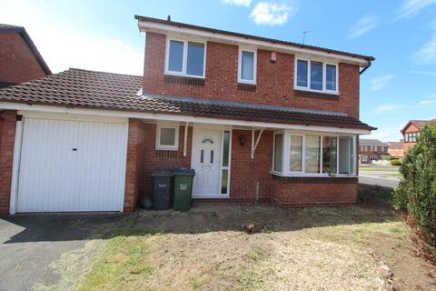 4 bedroom detached house to rent - Willowherb Close, Walsall