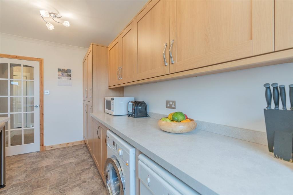 57 Hartwood Road West Calder West Lothian Eh55 3 Bed