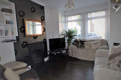 3 bedroom terraced house for sale - Highworth Road, Bounds Green, N11