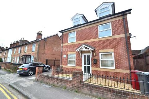 2 bedroom apartment to rent - Cumberland Road, Reading