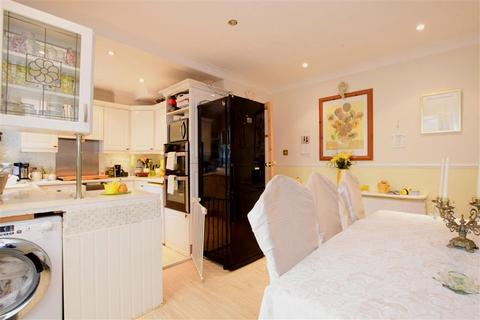 3 bedroom semi-detached house for sale - Annweir Avenue, Lancing, West Sussex
