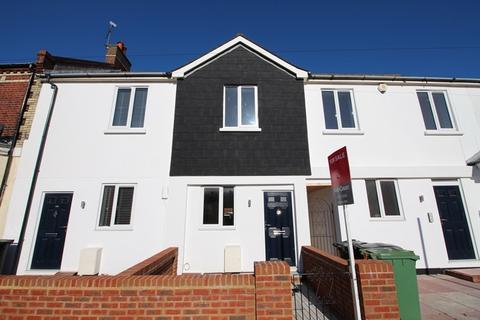 2 bedroom terraced house to rent - Cavendish Place, Eastbourne