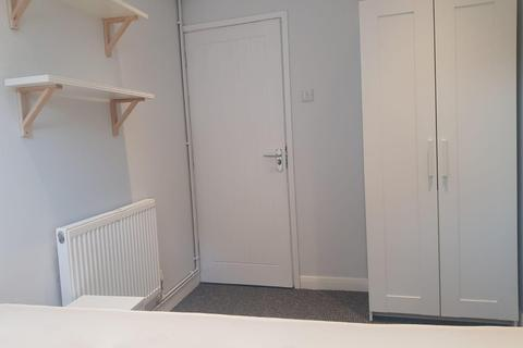 2 bedroom flat to rent - Cross Street, LINCOLN LN5