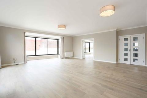 4 bedroom penthouse to rent - Regent House, Windsor Way, London, W14
