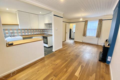2 bedroom terraced house to rent - Warren Road, Torquay TQ2