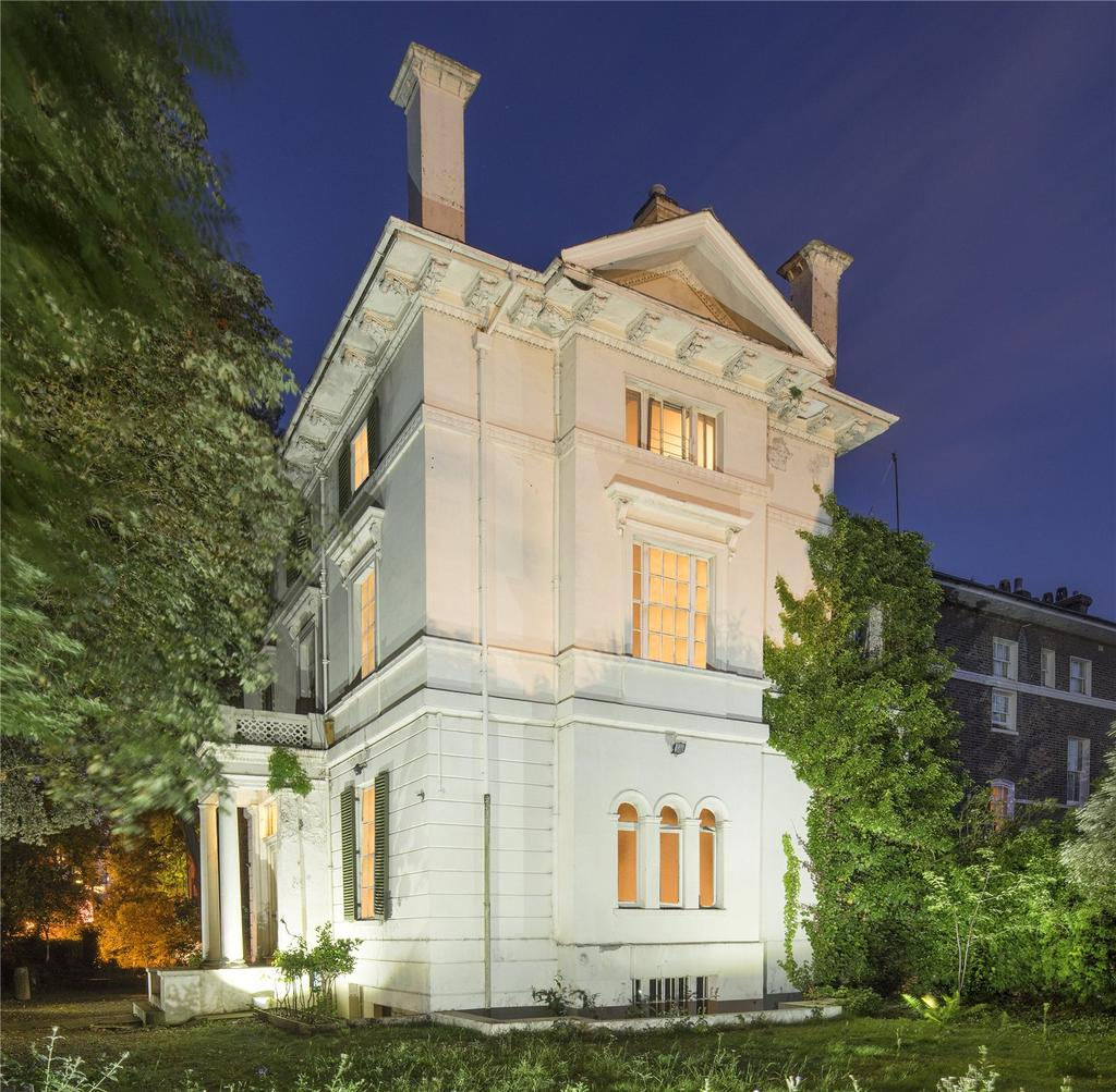 Detached House for sale in Cavendish Avenue, St. John's Wood, London, NW8