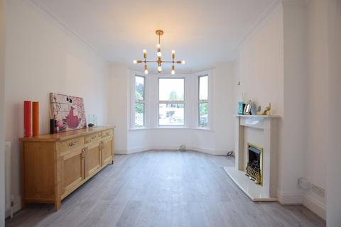 3 bedroom terraced house to rent - Pembroke Road, Bromley (FM) (A)