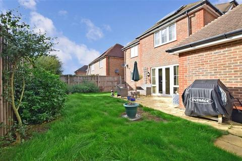 4 bedroom detached house for sale - Cobnut Close, Weavering, Maidstone, Kent