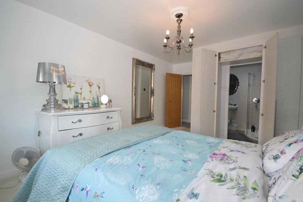 Bed 1 with Ensuite