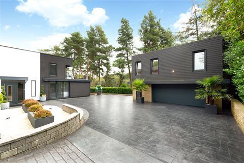 9 bedroom detached house for sale - Ravenhurst Drive, Bolton, BL1