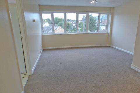2 bedroom flat to rent - Winston House, Church Hill Road, East Barnet, EN4