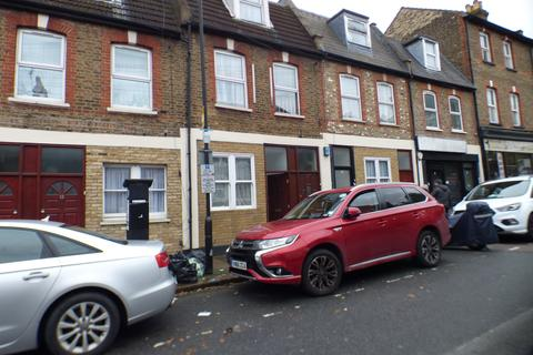 2 bedroom flat to rent - Whittington Road, Bounds Green, N22