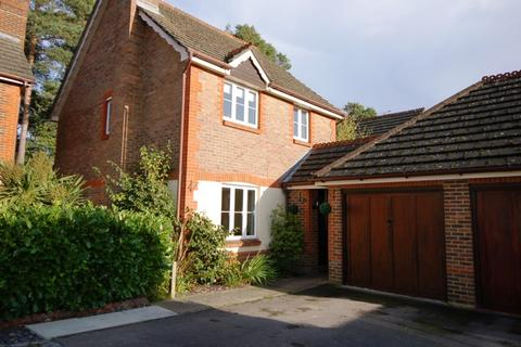 3 bedroom detached house to rent - Francis Way, Camberley