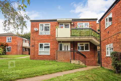 2 bedroom ground floor flat for sale - Gamewell Close, Norwich