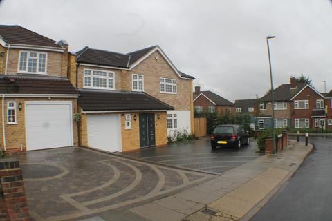 5 bedroom detached house to rent - Langdon Shaw, Sidcup