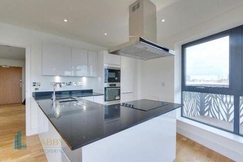 3 bedroom flat to rent - Leven Road, London