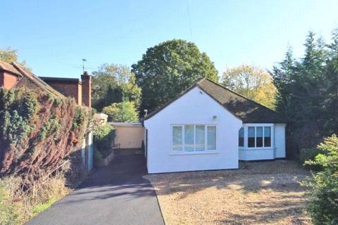 3 bedroom bungalow to rent - Stroude Road, Virginia Water, Surrey, GU25