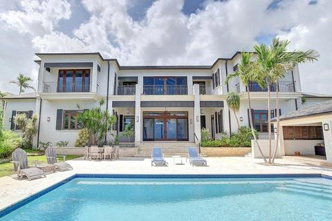 9 bedroom house - Off West Bay Street, The Bahamas