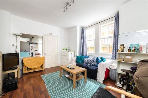2 bedroom property to rent - Coverton Road, London, SW17