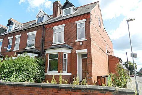 8 bedroom semi-detached house to rent - Ladybarn Lane, Fallowfield