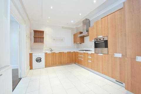 3 bedroom mews to rent - Weymouth Mews, London