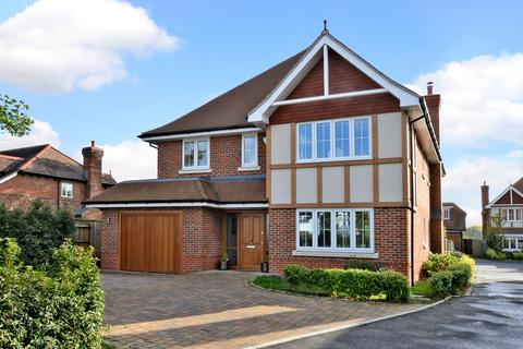 5 bedroom detached house for sale - Embercourt Road, Thames Ditton, KT7