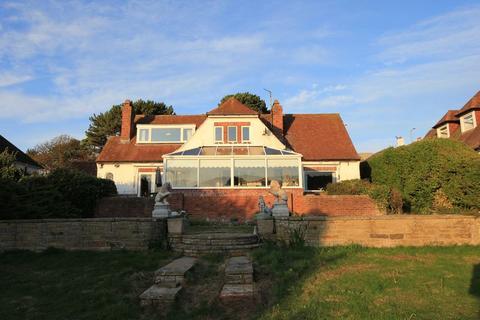 3 bedroom detached house for sale - Bryn Y Bia Road, Craigside