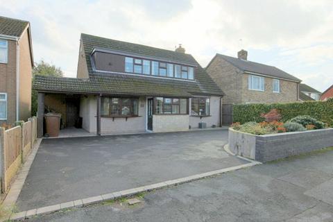 3 bedroom detached house for sale - Silver Ridge, Barlaston, ST12 9DR