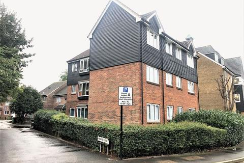 Studio to rent - Lindwood Close, London