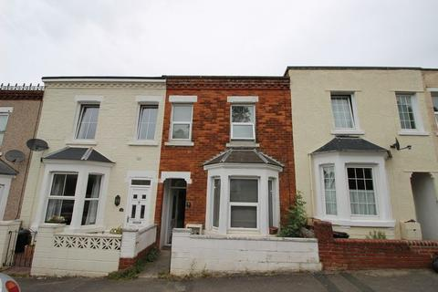 1 bedroom property to rent - Fully furnished large double bedroom with all bills included.