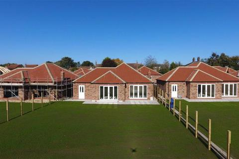 3 bedroom detached bungalow for sale - Sykes Close, Beeford, East Yorkshire