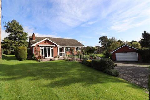 3 bedroom bungalow for sale - Tetchill, Nr Ellesmere, SY12