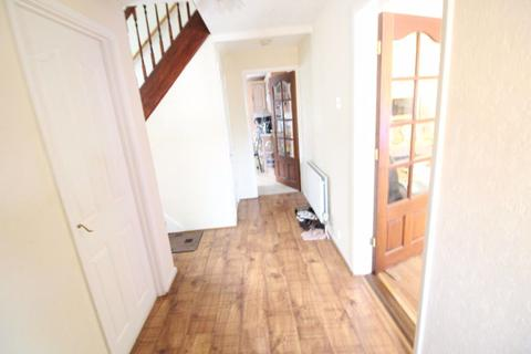 4 bedroom house to rent - Lovely four bedroom family home Oakley Road p10723