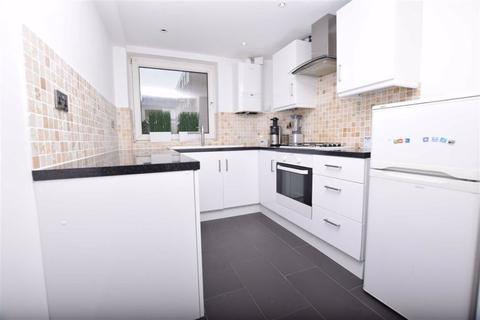 3 bedroom flat to rent - Eglington Road, Chingford