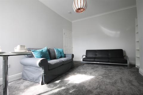 3 bedroom apartment to rent - Albemarle Avenue, Jesmond, Newcastle Upon Tyne