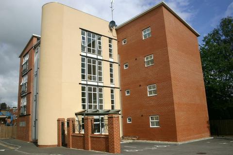 2 bedroom apartment to rent - Callingham Court Beaconsfield