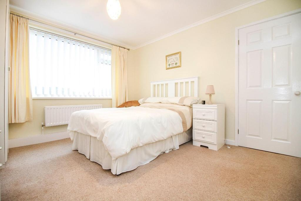 , bedroom 2.jpg