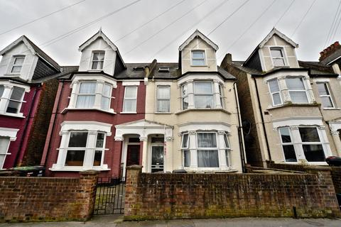 Studio for sale - Holmesdale Road, London, SE25