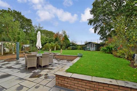 3 bedroom bungalow for sale - Kingsingfield Road, West Kingsdown, Sevenoaks, Kent