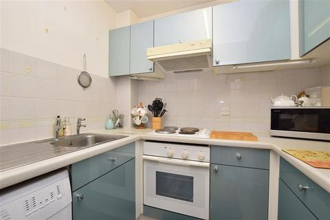 1 bedroom flat for sale - Victoria Road, Horley, Surrey