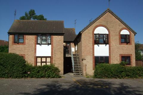 Studio to rent - Burgess Field, Chelmsford CM2