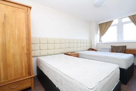 1 bedroom apartment to rent - Daniel House